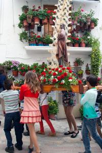 El Encuentro: San Juan portado por los niños